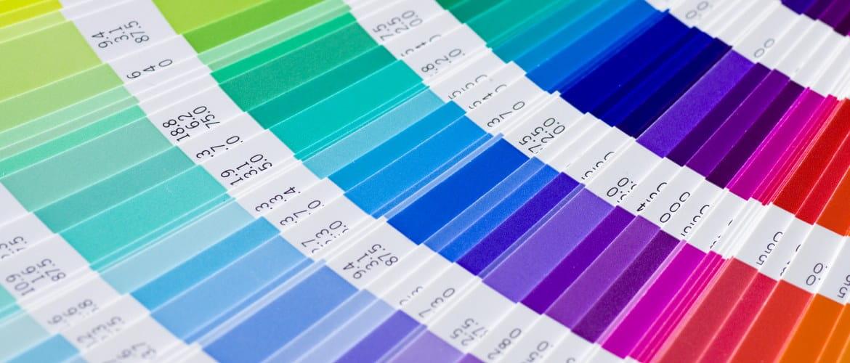 Esimerkki Pantone-väriviuhkasta